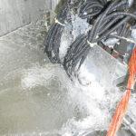 Vorratsbehälter und Durchfluss-Messeinrichtung sowie Pumpe für Strahlwasser IPX6 und IPX6K