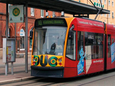 Nordhausener Straßenbahn mit Hybridantrieb Combino Duo